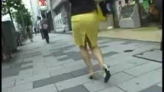 Upskirt incroyable dans la rue