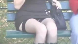 Compilation d'upskirt en public