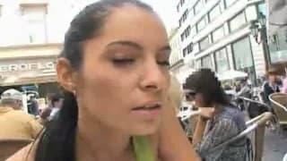 Elle adore se faire s'hexiber et se faire baiser en public