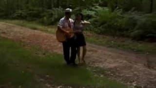 Beurette poilue pour une baise en forêt