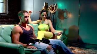 Jayden James une pornstar magnifique toujours motivée pour tourner un porno