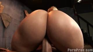 Jayden James et Alexis Texas des pornstars qui aiment le sexe de groupe