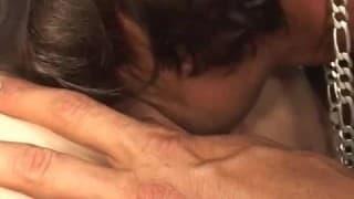 Michelle Aston est une emo qui aime vraiment le sexe