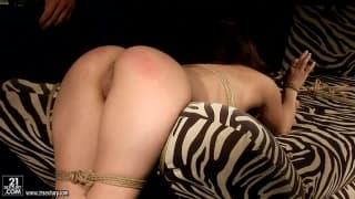 Bondage et soumission en compagnie d'Alesya