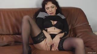 Cette femme mature est prête pour une bonne baise !