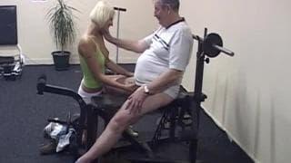 Martine a un trouvé un vieux à la salle de sport !
