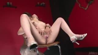 Tomoka Sakurai est une asiatique qui éjacule !