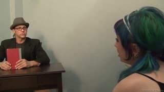 Proxy Paige est une émo qui se tape la bite du prof !