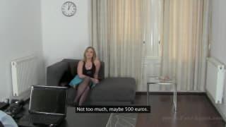 Casting porno excitant avec cette amatrice blonde