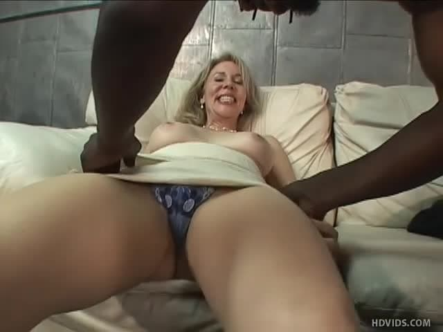 Elle Baise Avec Son Frere