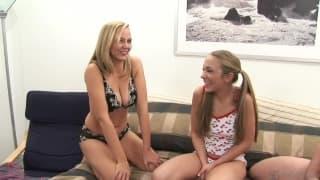 Jamie Elle et une amie pour un trio à voir !