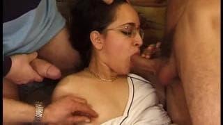 Rachida dans un gang bang sympa chez MSTX