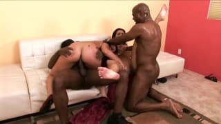 Bailey Brooks & Charley Chase s'amusent bien