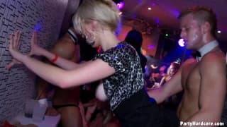 Sexe en Club Libertin - Videos amateur franaises : du