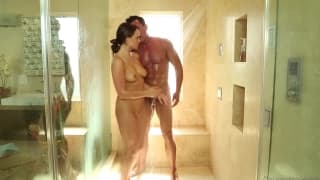 Teal Conrad va offrir à son mec un bon massage sexy