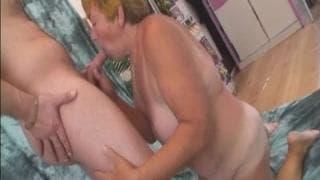 Jana, une grand-mère toujours aussi chaude du cul