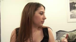 Victoria Raven et son amant profite d'une jolie nana