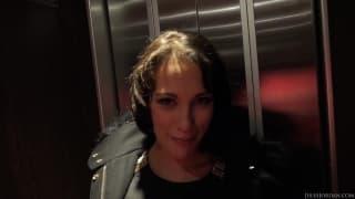 Nikita Bellucci une française pour du hardcore