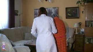 Katerina s'éclate avec l'infirmière