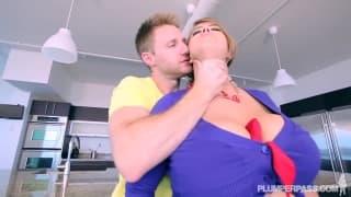 Minnie Mayhem a trouvé un mec pour baiser !