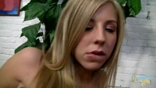 Chastity Lynn une belle blonde en mode pov !