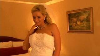 Phoenix Marie va se faire sauter à l'hôtel !