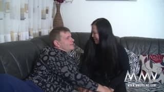MILF asiatique aux gros seins bien baisée