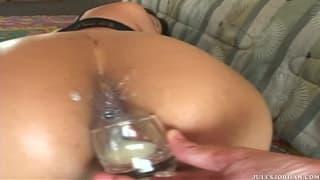 Jade Marcela se fait démonter la chatte