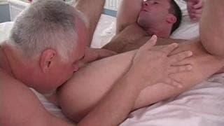 homme vieux et gay