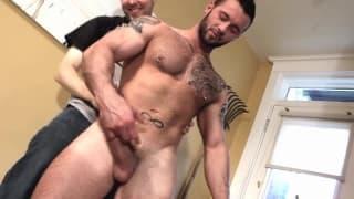 Hommes sexy avec d'énormes membres de la vidéo
