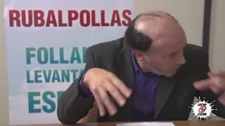 Deux salopes baisées pendant un débat politique