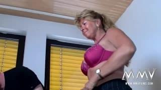 Petra Wegat baise un couple d'amateur