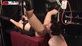 Bondage pour une mature perverse