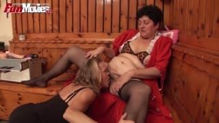 Gundi Moll une mamie lesbienne bien cochonne
