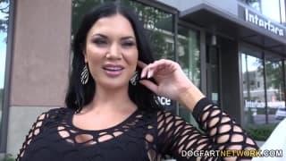 Jasmine Jae adore les pénis géants !