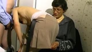 baise au hammam 2 chefs traite leurs salariés commes des putes