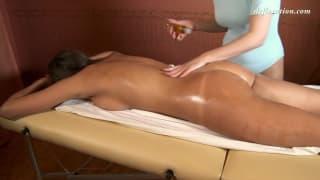 Marusya Mechta a besoin d'un massage