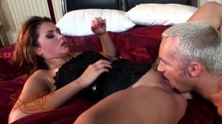 Allie Haze une jolie pornstar dans un gonzo