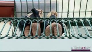 Salopes detudiantes pour une scène lesbienne