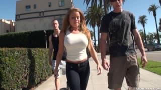 Nikki Delano prise copieusement par deux mecs
