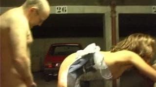 Salope Francaise défoncée dans un parking