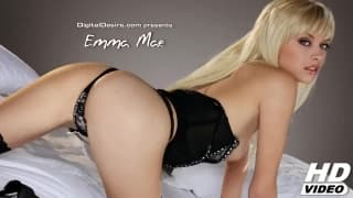 Emma Mae une blonde sexy pour des caresses