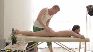 Un massage et une masturbation