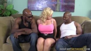 Heidi Hollywood va coucher avec deux hommes