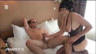 On est invité à aller baiser sa femme à l'hôtel