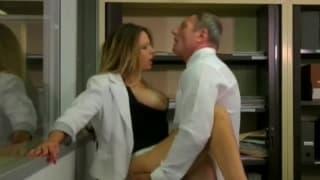 La prof Emy Russo enculée par son élève