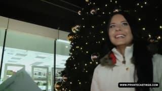 Mia Manarote baise pour une poignée d'euros