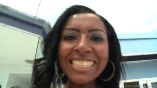 Monica Santhiago vous expose son gros cul