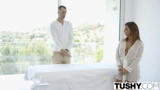 Un massage avec une belle finition anal