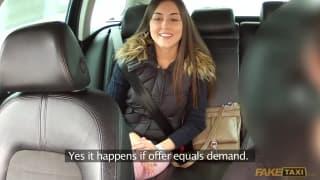 Un taxi nous montre comment il va l'emballer